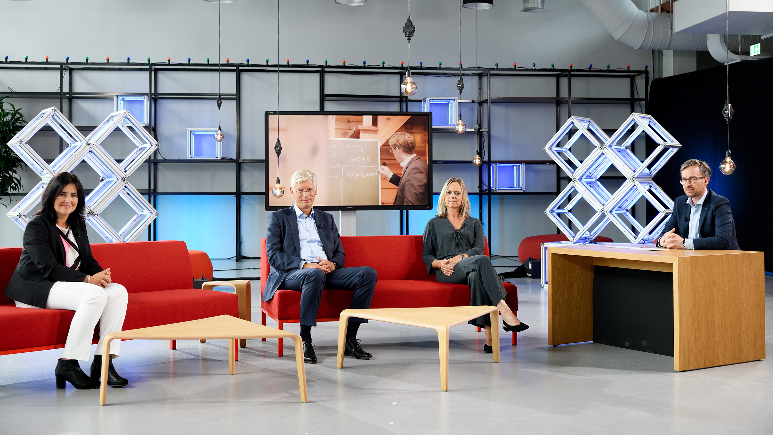 Talk show that marks the start of the academic year 20-21 of Eindhoven University of Technology